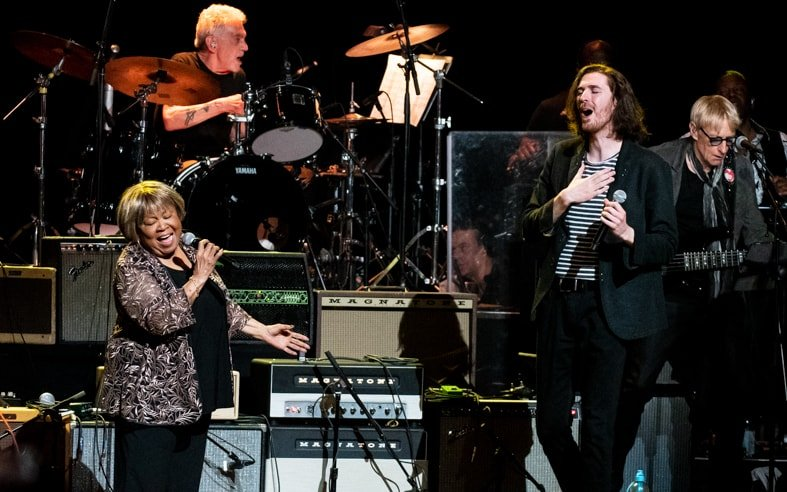 Mavis Staples and Hozier  at Love Rocks (March 7, 2019) (photo credit Maria Ives)