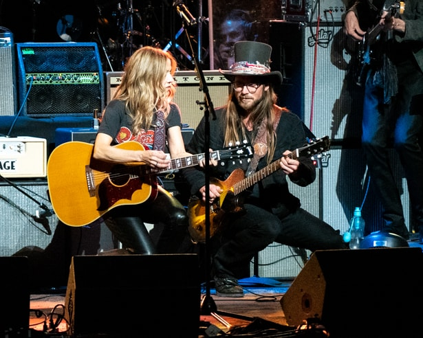 Lukas Nelson and Sheryl Crow at Love Rocks (March 7, 2019) (photo credit Maria Ives)